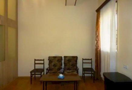 1 (ձևափոխած 2-ի) սենյականոց բնակարան Մամիկոնյանց փողոցում, 30քմ