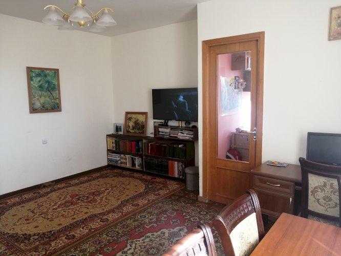 Վաճառվում է 2 սենյակը դարձրած 3 բնակարան Բաշինջաղյան 2-րդ նրբանքում